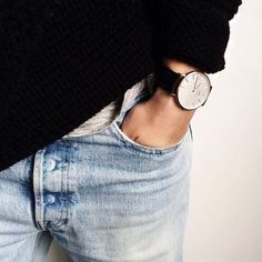 Women's watches in silver and rose gold from Daniel Wellington. See all our watches for women and buy yours here. Look Fashion, Fashion Beauty, Winter Fashion, Fashion Women, Denim Fashion, Fashion Menswear, Fashion News, Looks Style, Style Me