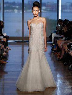 Designer wedding dresses Discount designer and Wedding dressses ...