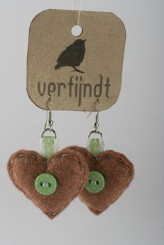 I like the tag to put my homemade earrings on with my logo/name.