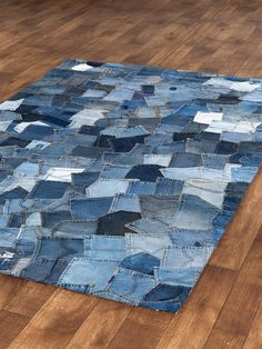 Jean pocket rug - what a cool recycling project :)