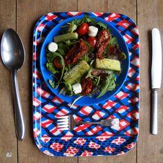 Wooden Breakfast Tray - Red & Blue von jonnasaarinen auf DaWanda.com