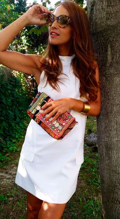 Love the hair and the posh summer vibe Casual Dresses For Women, Nice Dresses, Casual Outfits, Fashion Outfits, Womens Fashion, Boho Chic, Everyday Fashion, Casual Looks, Summer Outfits