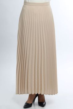 • PLEATS BEIGE • – Croyance London