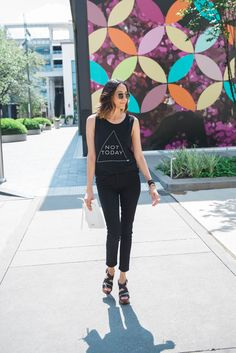 Not Today | Daily Craving | Black Skinny Jeans | All Black Look | Minimal Style