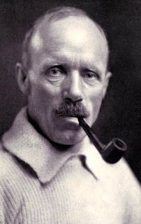 Famous Pipe Smokers: Frank Wild