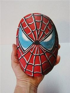 Spiderman-Spider-Man-hand-painted-rock-signed-Marvel-DC-Comics-Super-Heros