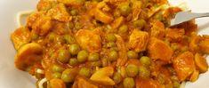 Gombás tokány fűszeres szószban, borsóval - Tésztával tálalva igen laktató - Receptek | Sóbors Chana Masala, Ethnic Recipes, Food, Essen, Meals, Yemek, Eten