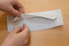 【西村大臣の布マスク レシピ付き】男性が通勤に使えそうな布マスクの作り方【古い綿シャツ生地で】 | happy-go-lucky.2nd Leather Keychain, Diy Face Mask, Sewing Patterns, Quilts, Cool Stuff, Fabric, Handmade, Sewing Tips, Fabric Scrap Crafts