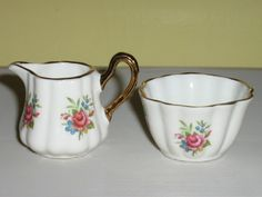 Sandford English bone china miniature creamer & sugar bowl. Tiny and adorable - 1960s.
