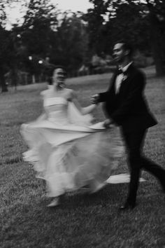 PHOTOGRAPHY: Joel + Justyna Bedford; Horticulture Building Wedding Ottawa