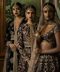 What beauties draped in Sabyasachi's bridal wear on rent collection at Flyrobe? Do you want to steal any of these looks? Rent bridal wear from Flyrobe and made beautiful and heavenly memories to cherish forever. India Fashion, Asian Fashion, Look Fashion, Fashion 2016, Fashion Beauty, Fashion Outfits, Mode Bollywood, Bollywood Fashion, Bollywood Saree
