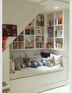 I want this, even my own bookshelf can't hold all my books.