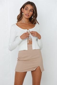 Looking for a chic and versatile knit to throw over any outfit? We've got you covered with the With Love To Share Crop Knit! Shop Now And Get Express Shipping Worldwide! Fall Looks, High Waist Jeans, Work Wear, Fall Outfits, Party Dress, Mini Skirts, Womens Fashion, Latest Fashion
