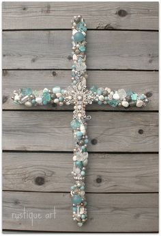 Hannah, thought of you. Beaded Cross- so pretty Cross Jewelry, Old Jewelry, Jewelry Crafts, Jewelry Art, Jewelery, Vintage Jewelry, Jewelry Making, Crosses Decor, Wall Crosses