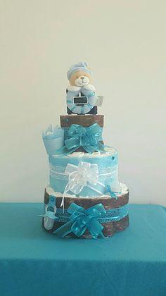 magnifique gâteau  de couche bleu garcon