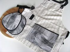 Love this apron and potholder set