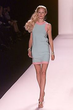 Michael Kors Collection Spring 2000 Ready-to-Wear Fashion Show - Kirsty Hume, Michael Kors Kirsty Hume, Michael Kors Collection, Designer Collection, Ready To Wear, Fashion Show, Runway, Dresses For Work, Vogue, Spring