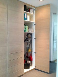 Einbauschrank, Putzschrank, built-in cupboard, wardrobe, placard, garderobe. Design by OST Concept Luxembourg.