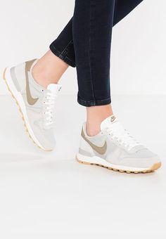 Chaussures Nike Sportswear INTERNATIONALIST - Baskets basses - pale grey/khaki/summit white gris: 89,95 € chez Zalando (au 07/11/17). Livraison et retours gratuits et service client gratuit au 0800 915 207.