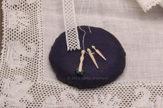 Make a Scale Miniature Lace Maker's Cookie Pillow for Bobbin Lace: Make a Cookie or Mushroom Bobbin Lace Pillow in Miniature or Dollhouse Scales