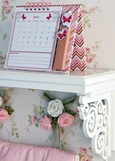 Quer começar o ano com o pé direito? Veja como fazer um calendário de Natal usando a técnica do patchwork Aprenda a fazer um calendário natalino usando caixas de madeira Que tal começar já a fazer...
