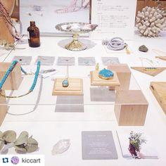 「≪#iichiクラフトマーケット 開催中!≫ #高松三越店 本館5Fに出展中の@kiccartさんのブース。 惹きつけられるような色合いの天然石のジュエリーや、透明感のあるディスプレイは、どこか遠くのビーチリゾート⛵️のようです。 8/31まで開催中、ぜひ遊びに来てくださいね。 #ハンドメイド #高松…」
