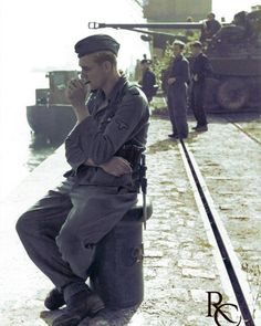 German Soldiers Ww2, German Army, Army Men, Army Guys, Warring States Period, Ww2 Photos, Korean War, Military History, Vintage Photographs