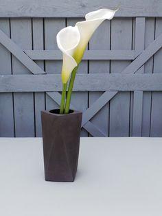 Dark concrete vase. Geometric concrete vase. by IndustrialRepublic