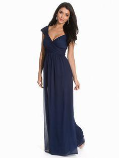 Nelly.com: Cup Sleeve Maxi Dress - NLY Eve - kvinna - Mörk Blå. Nyheter varje dag. Över 800 varumärken. Oändlig variation.