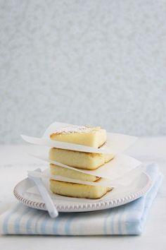 Grieß-Quarkkuchen - smarter - Zeit: 20 Min. | eatsmarter.de (baked cheese cake delicious food)
