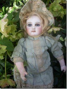 ♡ Beautiful Portrait Jumeau antique French Bebe doll.