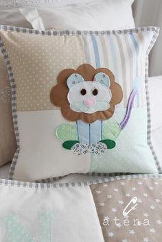 Очаровательные подушки и одеяло для деток.