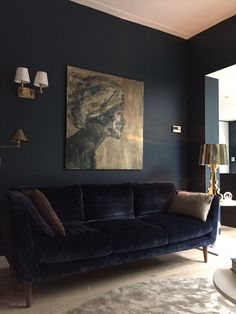 Home Project Residential home Utrecht of Petra Postmus Interiors-living area- classique/modern design -www.nl- Photography Jeannine Govaers- painting Margo van Erkelens The post Home appeared first on Design Ideas. Dark Living Rooms, Living Room Paint, New Living Room, Living Area, Dark Rooms, Black Sofa Living Room, Living Room Decor In Blue, Paint Couch, Art Deco Interior Living Room