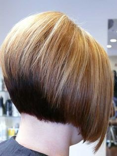We all know that bob hairstyles are very popular among women from all around the world. You may want to find a new styles of bob haircuts and here we are. Short Stacked Haircuts, Stacked Bob Hairstyles, Bob Haircuts, Medium Hairstyles, Curly Hairstyles, Short Hair With Layers, Short Hair Cuts, Short Hair Styles, Chic Short Hair