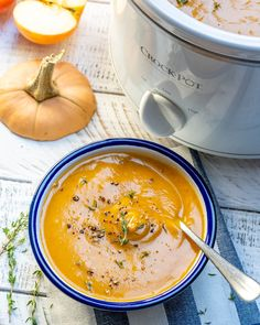 This Crock-pot Butternut Squash Soup Helps Reduce Inflammation and Boost Collagen Production! Clean Recipes, Healthy Dinner Recipes, Crockpot Recipes, Soup Recipes, Cooking Recipes, Diet Recipes, Healthy Soups, Healthy Menu, Vegan Soups