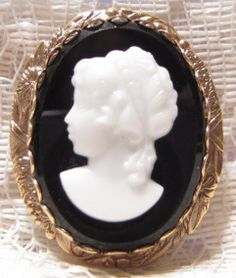 Vintage Glass Left Facing Cameo Brooch by ViksVintageJewelry, $24.99
