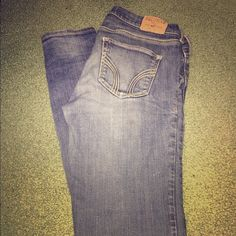Hollister skinny jeans Like-new jeans. Worn just a handful of times. These are in near perfect condition, and they have no stains or imperfections to note. Hollister Jeans Skinny