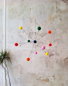 Modern Home Decor Tips To Make Any Home Look Fabulous Baby Mobile, Mobile Art, Hanging Mobile, Diy Hanging, Diy Craft Projects, Crafts For Kids, Diy Crafts, Projects To Try, Mobiles
