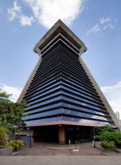 Glocalização: Contraloria General de la Republica, San Jose Costa Rica. Architect: Raúl Goddard.