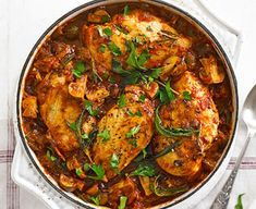 Lighter Chicken cacciatore ♥ ♥ ♥ Enjoy ♥ ♥ ♥ The classic Italian 'hunter's stew' gets a healthy makeover, with low-fat chicken breasts, prosciutto and a rich herby tomato sauce Cacciatore Recipes, Bbc Good Food Recipes, Dinner Recipes, Cooking Recipes, Bbc Recipes, Cooking Food, Cooking Ideas, Lunch Recipes, Fungi