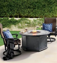 The Carlisle Woven-enhanced Swivel Rocker Lounge Chair has the same elegantly detailed cast aluminum frames as our other Carlisle pieces, and a supremely comfortable woven wicker seat. The multipurpose chairs fit beautifully around an outdoor fire table or on the deck of a pool. The chair relaxes you with a gentle swivel and rocking motion.