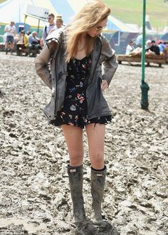 Suki Waterhouse and Cara Delevingne at muddy Glastonbury in matching wellies | Daily Mail Online