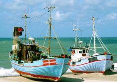 Die Fischer holen die Bote direkt auf dem Strand auf...so sind die Fishe frisch - zum Wohl!