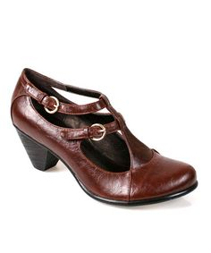 "{Brown Maiden Shoe} I always love ""librarian"" type shoes..."