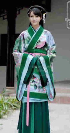 Китайский национальный женский костюм