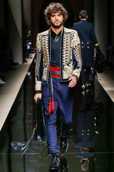 I do want MJ to wear this jacket See the complete Balmain Fall 2016 Menswear collection.