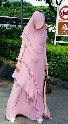 Modern Hijab Fashion, Muslim Women Fashion, Street Hijab Fashion, Abaya Fashion, Fashion Dresses, Abaya Designs Latest, Simple Abaya Designs, Dress Muslim Modern, Simple Long Dress