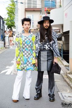 Harajuku Duo in 70s Style and Graphic Black and White Resale Fashion