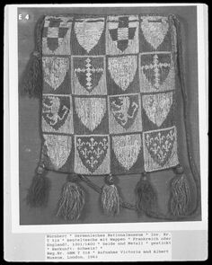 Medieval Silkwork: 14th century heraldic pouches: what type of stitch is this?
