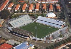 Estadio Carlo Castellani de la ciudad de Empoli, y donde juega el equipo homonimo (Empoli FC). Con una capacidad para 19.800 personas, y abierto en 1923 pareciera no haber sido remodelado desde el dia de su apertura